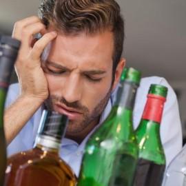 Remedios prácticos para reducir la resaca por alcohol